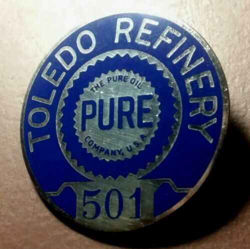 VINTAGE PURE OIL COMPANY TOLEDO OHIO REFINERY EMPLOYEE BADGE OIL & GAS PIN OLD