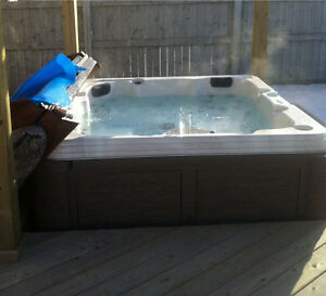LAKEVIEW 3bed2.5bath 2 Story HOTTUB BBQ PETS OK! 2YR DEAL!