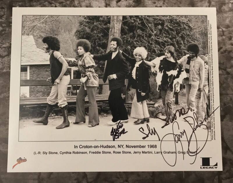 GFA Larry Freddie & Sly * SLY AND THE FAMILY STONE * Signed 11x14 Photo AD1 COA