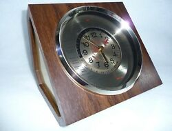 Vintage Harris & Mallow Verichron World Time Zone Quartz Battery Desk Clock