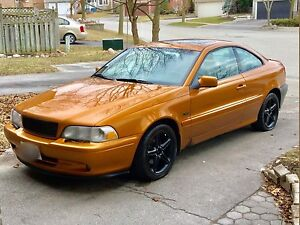 1998 Volvo C70 Coupe Text me, voicemail doesn't work.