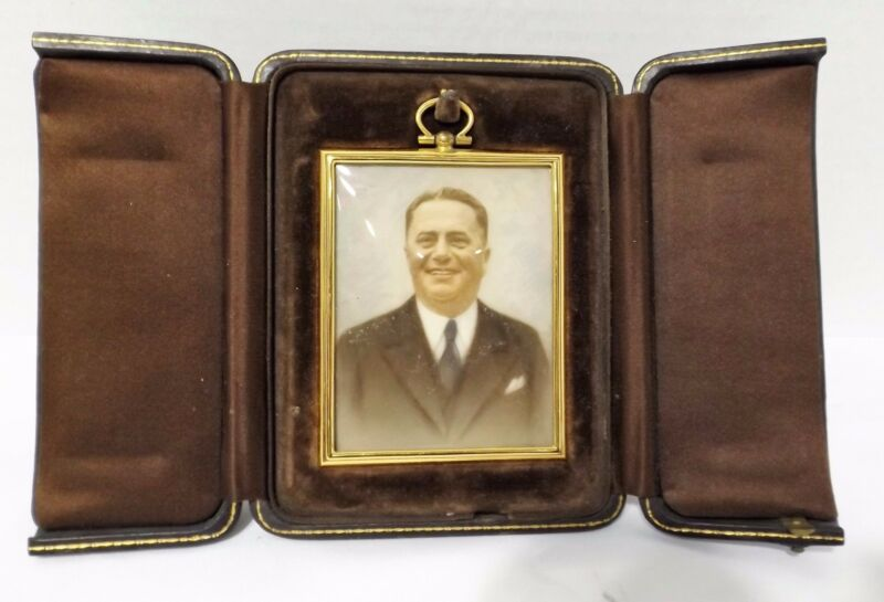 ANTIQUE HIGH POLISH BRASS PICTURE FRAMED TINTED PHOTOGRAPH IN HARD LEATHER CASE