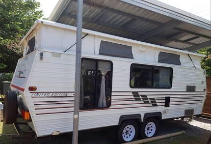 Poptop caravan Deeral Cairns Surrounds Preview