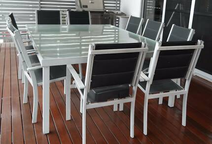10 seater aluminium and glass outdoor dining setting