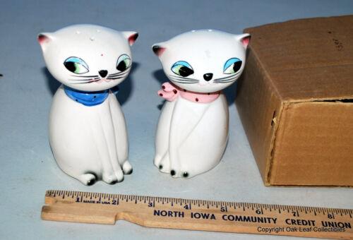 Holt Howard Large Eyed Cat Noisemaker Ceramic Salt Pepper Shakers 1961