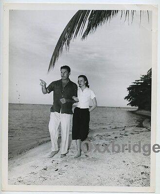 Errol Flynn & New Bride Princess Ghika Of Roamnia Sexy Couple 1949 Jamaica (Sexy Black And White Photos Of Couples)