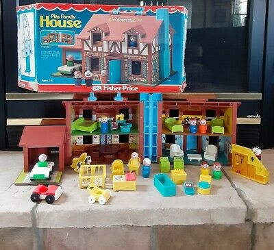 Vintage Fisher Price Little People Play Family #952 TUDOR HOUSE COMPLETE W/ BOX
