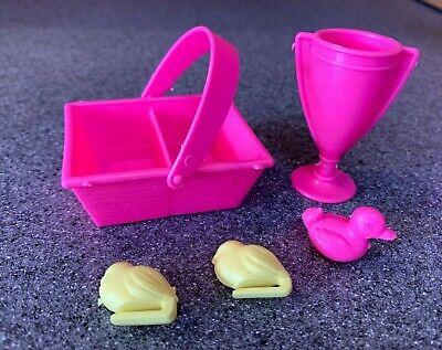 Unassembled 1995 Mattel Barbie Feeding Fun Stable Barn Equestrian Horses Playset