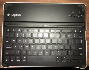 Logitech ipad 4 Blue tooth keyboard stand/ cover Reduced
