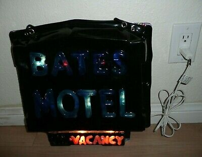 Collector Bates Motel Psycho Light Up Hanging Sign Halloween Décor