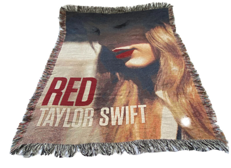 """Taylor Swift Red Concert Tour Album Cover Throw Blanket Tapestry 50"""" x 60"""" EUC"""