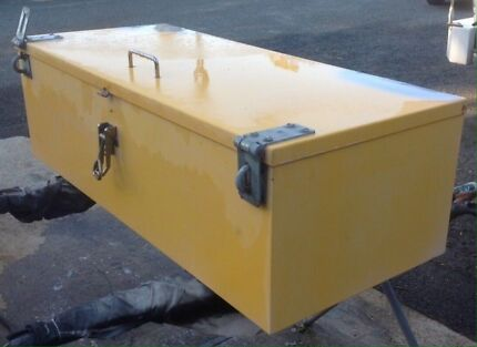 Large tool box Kelmscott Armadale Area Preview