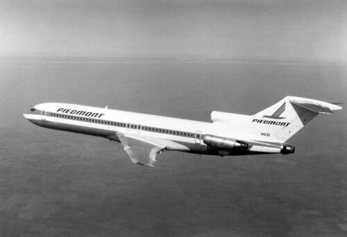 "Piedmont Airlines Boeing 727-200 ((8.5""x11"")) Print"