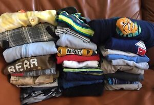 Baby boy clothes size 6-9montg