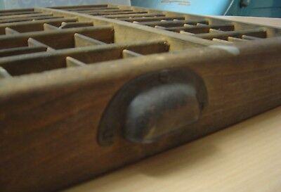 Alter Setzkasten Schublade, Original aus einer Druckerei, guter Zustand
