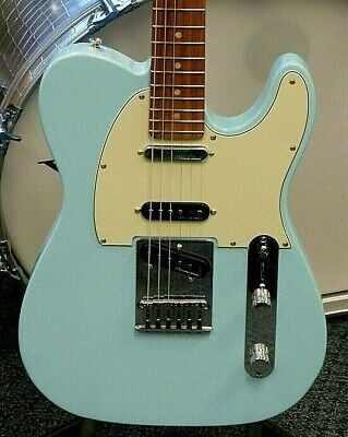 2021 Fender Deluxe Nashville Telecaster Electric Guitar! Daphne Blue NO RESERVE