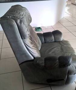 Recliner armchair. Green leather. Works fine. Sippy Downs Maroochydore Area Preview