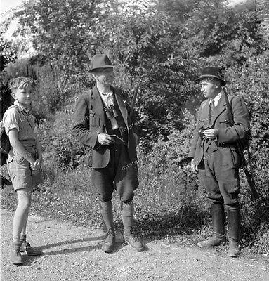 Forstamt-Jagd-ReichsJagdmeister-1936-Jäger-Gewehr-Cute-Boy-teen-shorts-1 ()