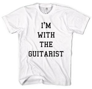I-039-m-con-il-chitarrista-MUSICISTA-FASCIA-GROUPIE-T-Shirt-Unisex-tutte-le-taglie