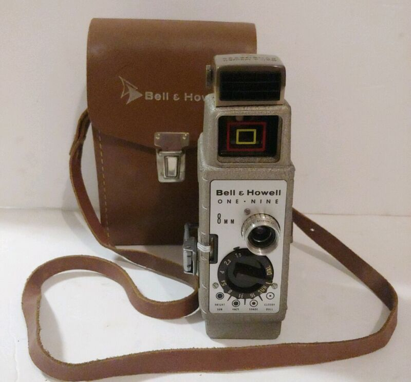 Bell & Howell One Nine 8mm Film Cine Movie Camera with Leather Case Working