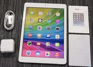 iPad Air. 128 GB with LTE mint condition UNLOCKED
