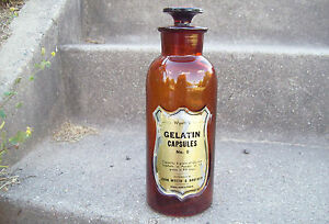 WYETHS-GELATIN-CAPSULES-AMBER-APOTHECARY-STOPPER-BOTTLE-SUNK-SHIELD-WITH-LABEL