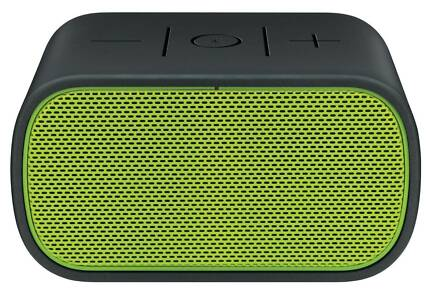 Logitech UE Mobile Boombox Bluetooth NFC Enabled Black & Green