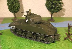 """SHERMAN M4A3 75 mm - Maquette 1/76 1/72 Model Peint Painted - Armourfast - France - État : Occasion : Objet ayant été utilisé. Consulter la description du vendeur pour avoir plus de détails sur les éventuelles imperfections. Commentaires du vendeur : """"modle en plastique monté et peint au 1/72e d'un char américain / US  - France"""