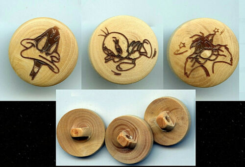 """SET OF 3/4""""  LOONEY TUNES WOOD PYROTECH SEWING BUTTONS TWEETY SYLVESTER DAFFY"""