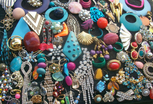LOT OF VINTAGE/NOW COSTUME JEWELRY ALL SINGLE EARRINGS SOME  RHINESTONES