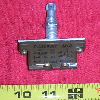 Square D 9007ap321 Industrial Roller Plunger Switch Nos