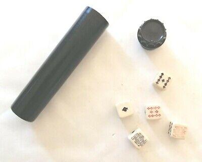 Vintage Bakelite dice shaker with mini poker dice / jeu de poker d'as