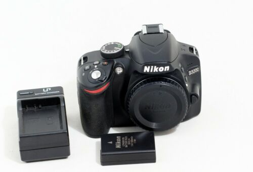 Nikon D D3200 24.2MP Digital SLR Camera Black Body ONLY 4K SHUTTER COUNT