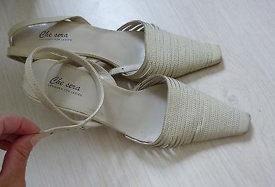 escarpin chaussure en cuir beige clair avec lanière à la cheville 37 de qualité