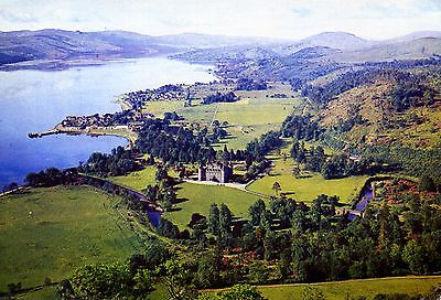Inveraray and the Castle : Loch Fyne.