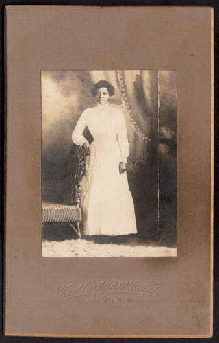STOIC HAUNTING BEAUTY BLACK WOMAN GLOWING DRESS 1900s VINTAGE PHOTO CANTON MISS