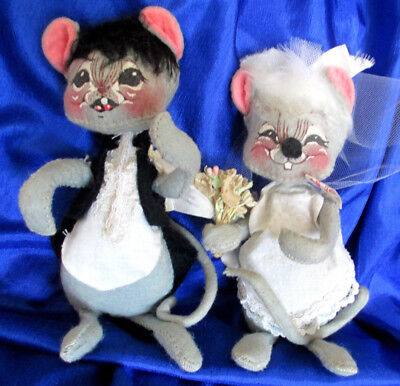 CLOTH MICE WEDDING Bride Groom Armature FELT  DOLLS Tag USA 1965 RETIRED ANNALEE](Retirement Center Pieces)