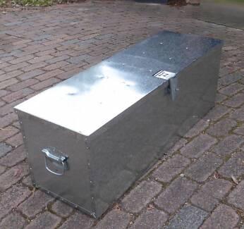 GALVANISED  STEEL  TOOLBOX
