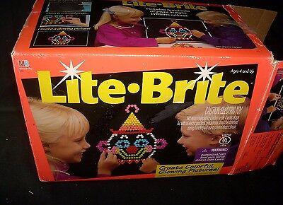 VINTAGE ORIGINAL 1994 LITE LIGHT BRITE BRIGHT PEGS LIGHT UP TOY GAME BOX PAPERS