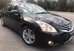 2010 Nissan Altima 3,5 SR/Clean Title/One owner/No tax/