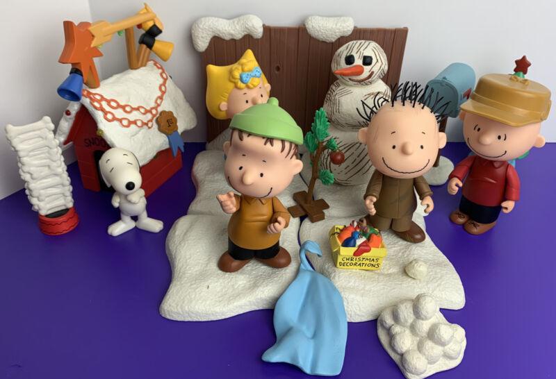 Charlie Brown Christmas Action Figures Lot 2003 Memory Lane Snoopy Sally Linus
