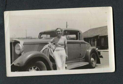 Vintage Car Photo Pretty Girl w/ 1932 Hupmobile 3 Window Coupe 418057