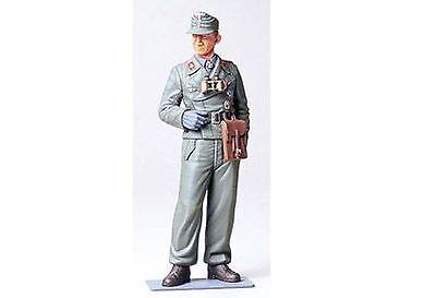 WWII Figur Deutscher Panzersoldat Tamiya 1:16 Neu 36301