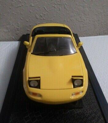 Kyosho 1/18 Diecast Mazda MX5 Miata Roadster Sunburst Yellow.