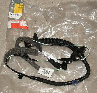 Renault Megane Megane Classic Rear Door Wiring Loom Part Number 8200028393