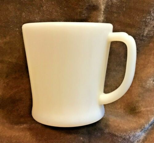Fire King / Oven Ware ~ Ivory Flat Bottom Restaurant Style D Handle Mug ~ EUC