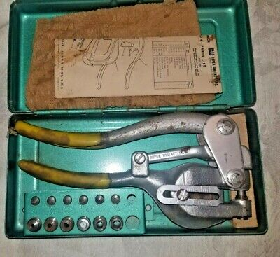 Roper Whitney No. 5 Jr. Vintage Hand Punch With Dies Case Made In Usa.