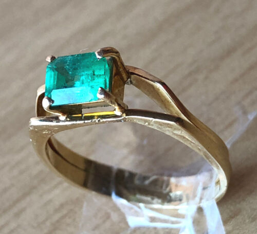 VINTAGE 18K YELLOW GOLD NATURAL GENUINE GREEN EMERALD RING