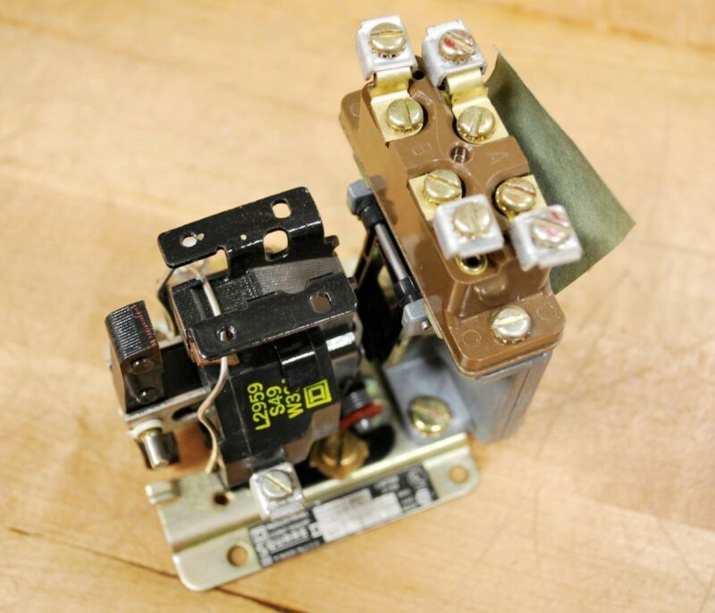 Square D 9050A0100 Series A Timing Relay - USED