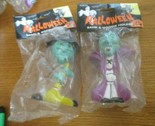 NIP VINTAGE HALLOWEEN WITCH AND DRACULA PLASTIC BANK CONTAINERS LOT